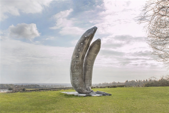 Mark Handforth, Two Old Bananas, 2013. © Cass Sculpture Foundation, Mark Handforth, 2015. Photo: Barney Hindle.